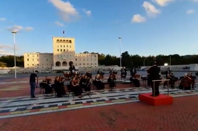 Dita Botërore e Muzikës, bën bashkë instrumentistë të orkestrave muzikore nga Mediat Publike në Evropë, pjesë e EBU-së, në një regjistrim unik të Charpentier's Te Deum.